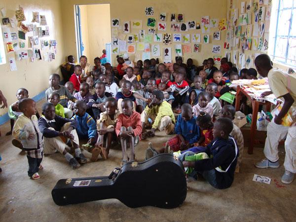 more-art-camp-kibera-library