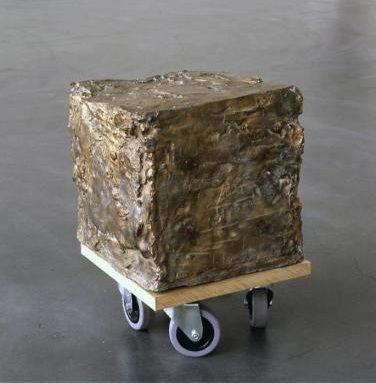Rebecca Warren, Cube, 2003. Image courtesy of the Renaissance Society.