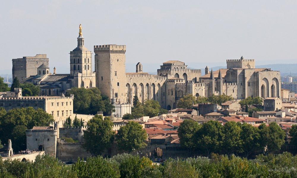 Avignon, Palais des Papes depuis Tour Philippe le Bel by JM Rosier (image via Wikimedia Commons)