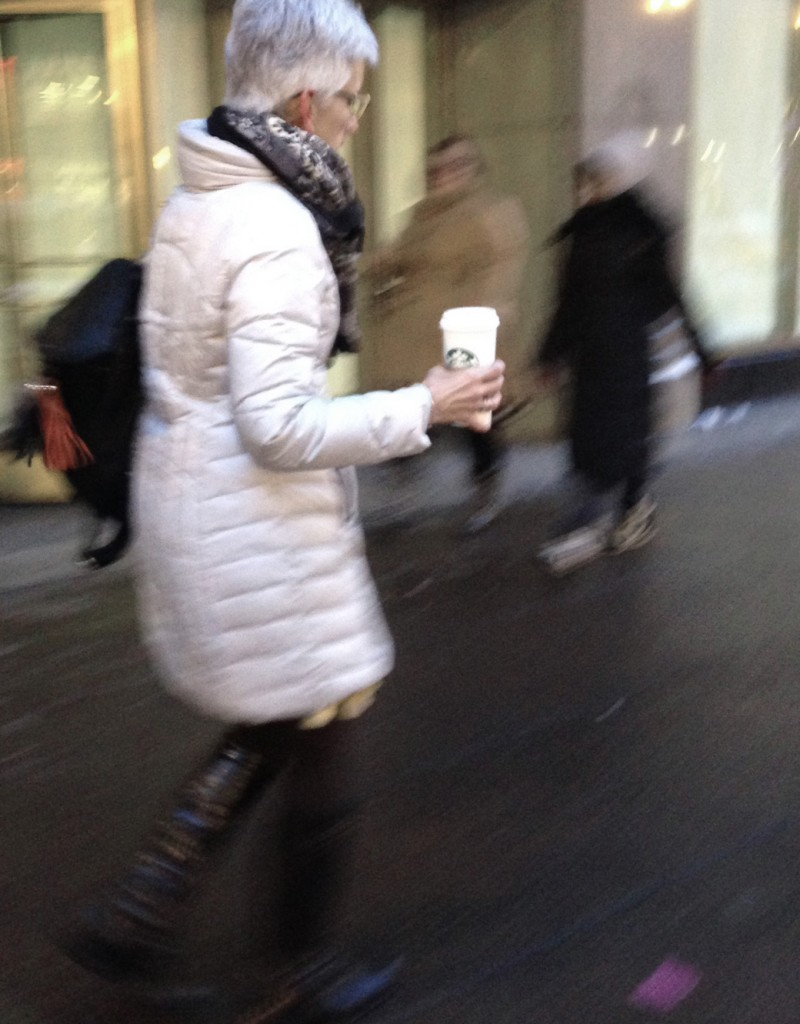 lady-with-starbucks-scarf